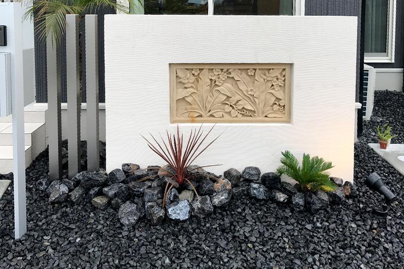 バリ風の庭 カービングストーン