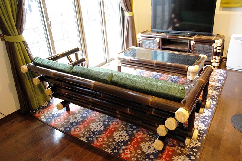 竹で作ったコタツ